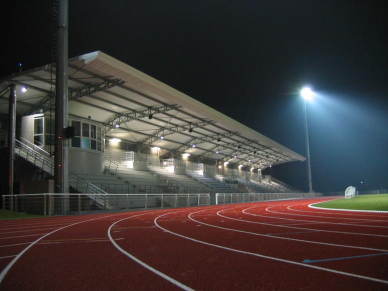 Stade des ormes le sport lomme culture et loisirs for Piscine de lomme
